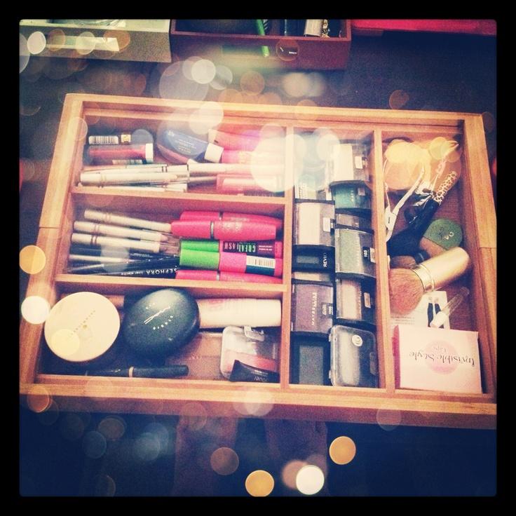 Silverware tray for makeup organization! #diy #organization #makeup