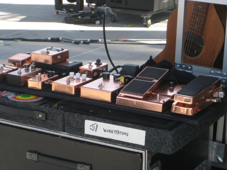 Jack's Raconteurs pedal board