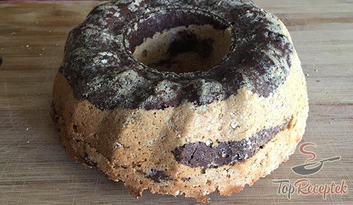 Egy finom és egészséges kuglóf. Alma, zabpehely és még megannyi finomság egy desszertben. Egy egészségbomba, különlegesen finom kivitelezésben.