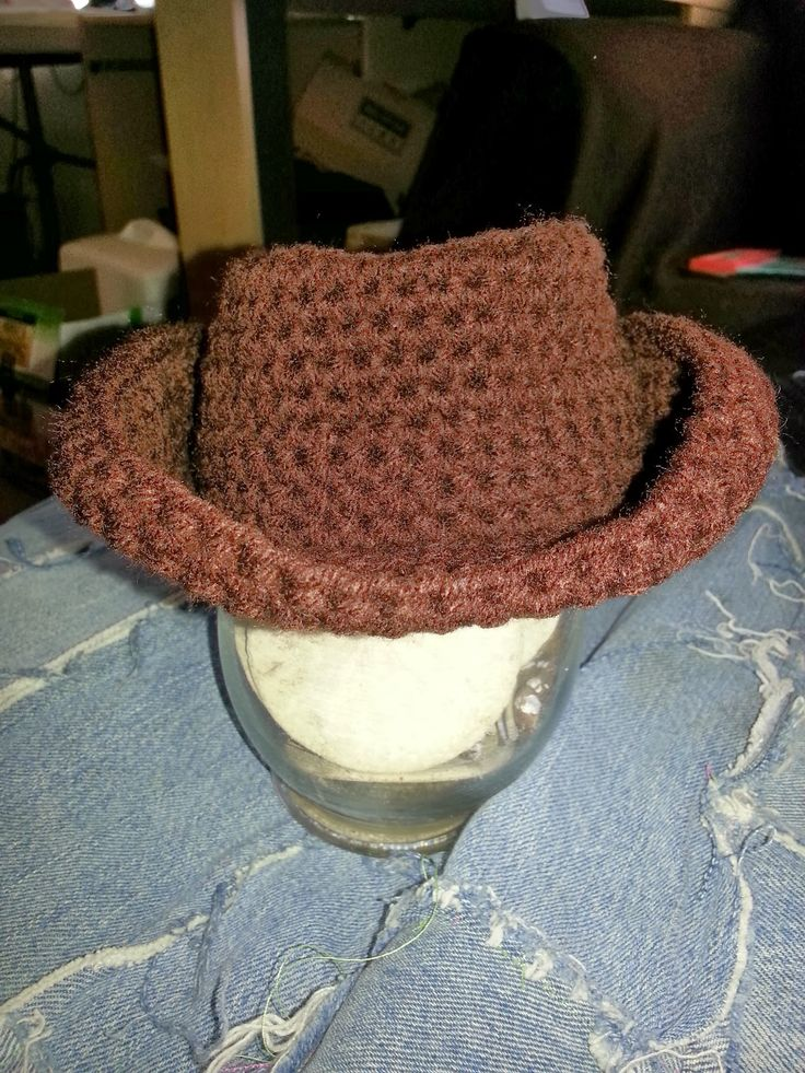 Free Cowboy Hat Pattern in preemie, Newborn, Infant, and toddler... Easy to read