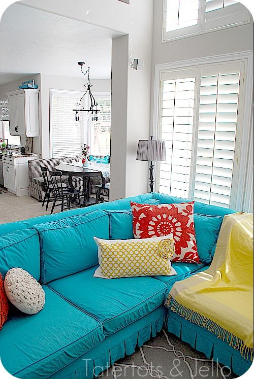 the turquoise couch.. would love this!