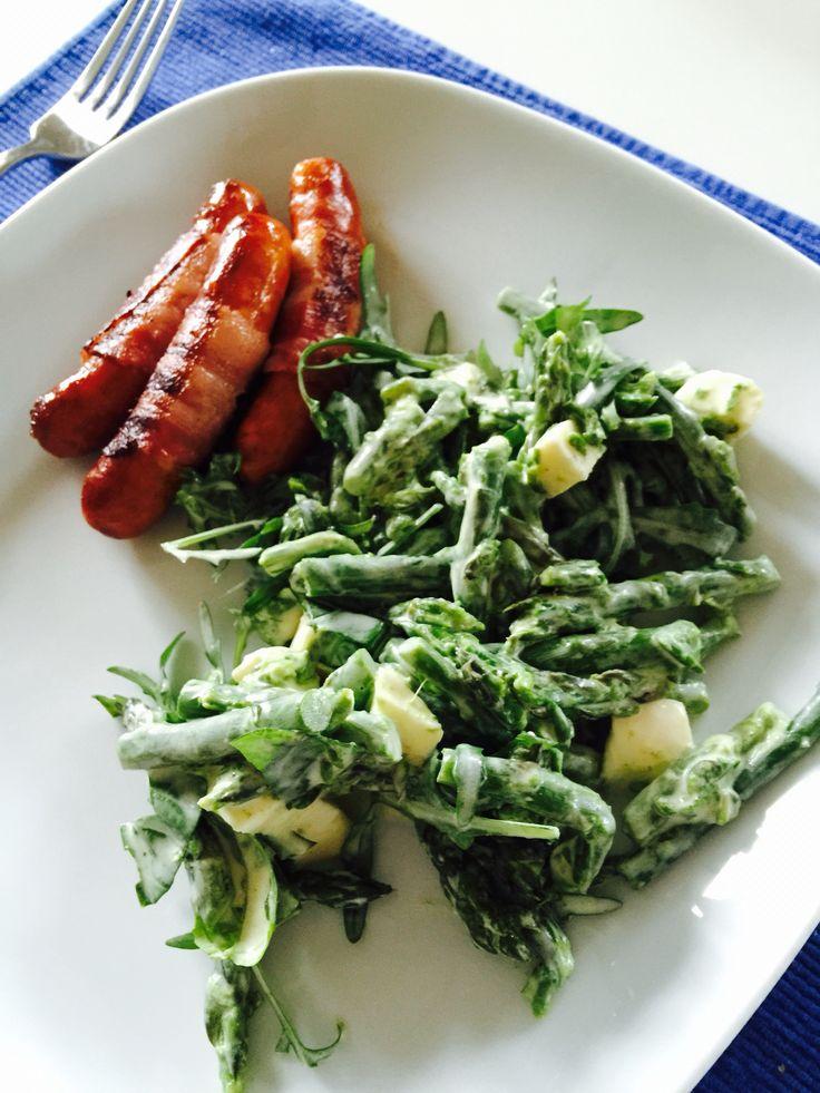 Spargelsalat mit Berner Würstchen // asparagus salad and sausages from bern