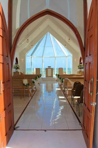 stunning!! Shangri-La Fijian Resort - Renne  Greg Swanson / Fiji / Photo Gallery / Home - Wedding Destinations