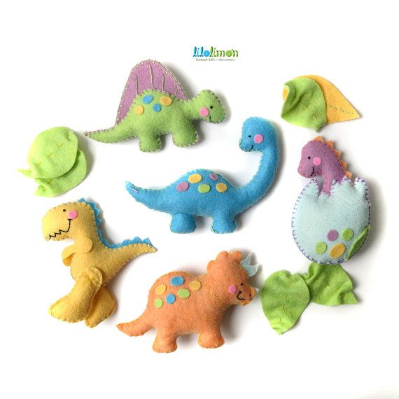 BABY MOBILE Baby dinosaurs 5 figures made with wool by Lilolimon