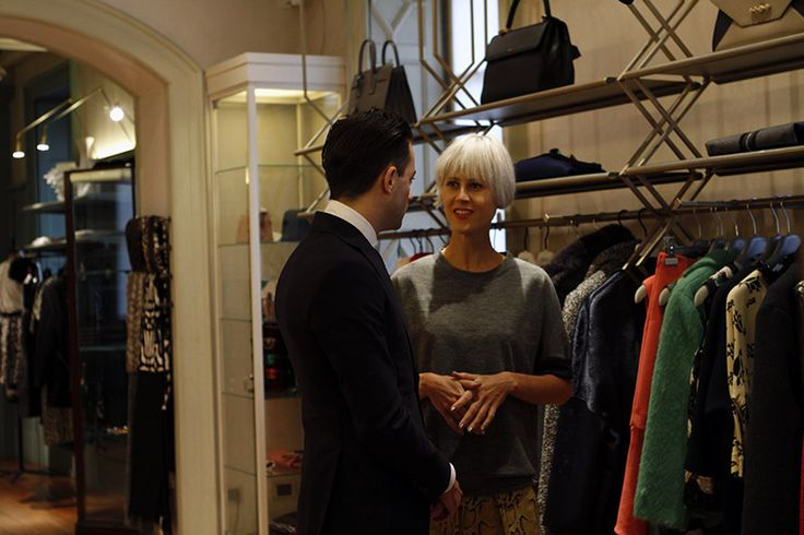 A day in the Tessabit boutiques with Influencer Linda Tol and the BNN crew. How to choose an outfit for Fashion Week!