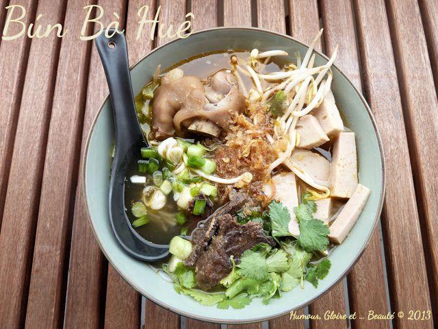 Bun Bo Hue : Soupe Vietnamienne aux pieds de porc.