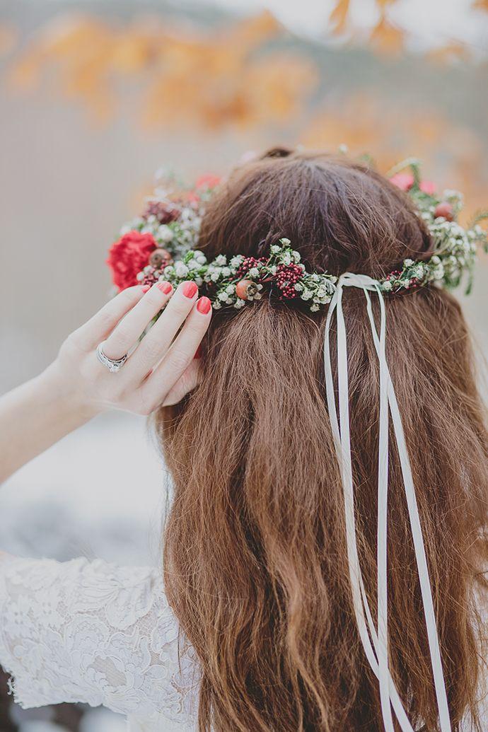 Die besten 25 Blumenkranz Ideen auf Pinterest  Haarschmuck uk Blumenhaarkranz und Kopfschmuck