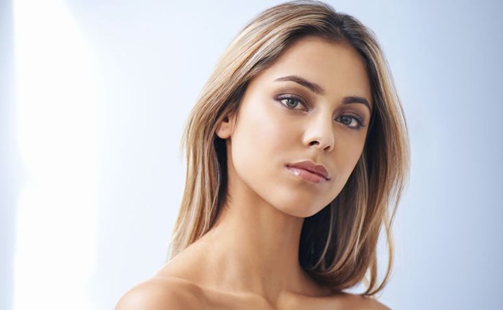 Confira 10 receitas fáceis para clarear os cabelos em casa sem química, utilizando apenas produtos naturais e totalmente seguros.