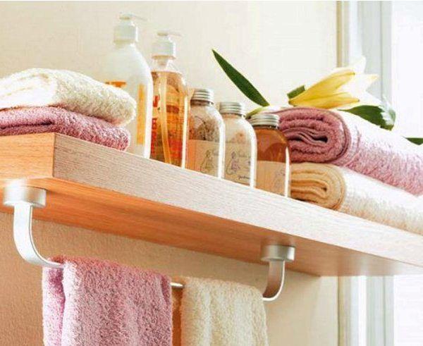 Estante de madera para el baño
