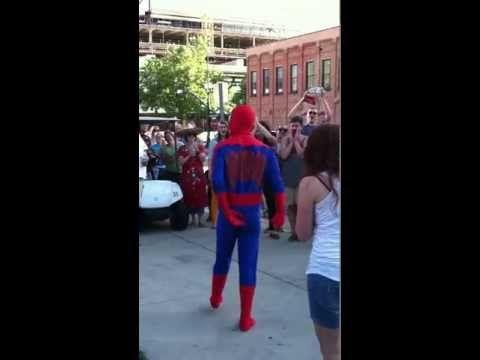 omgomgomgomgomg @Amy Bradford. If only it was Andrew Garfield proposing to me in that Spiderman costume....