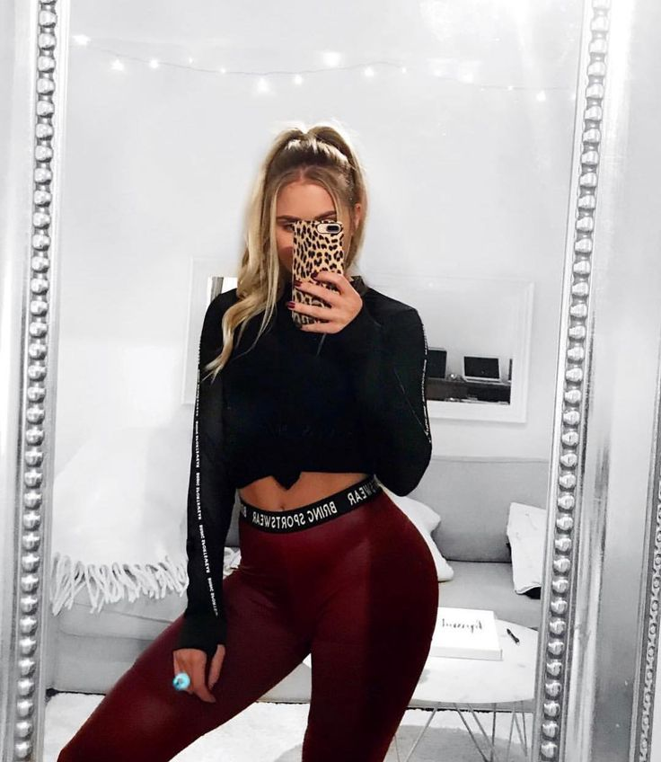 Whos ready for a new workout year?  babe @josefinnyblom for sure is in the mesh sweater and shiny tights