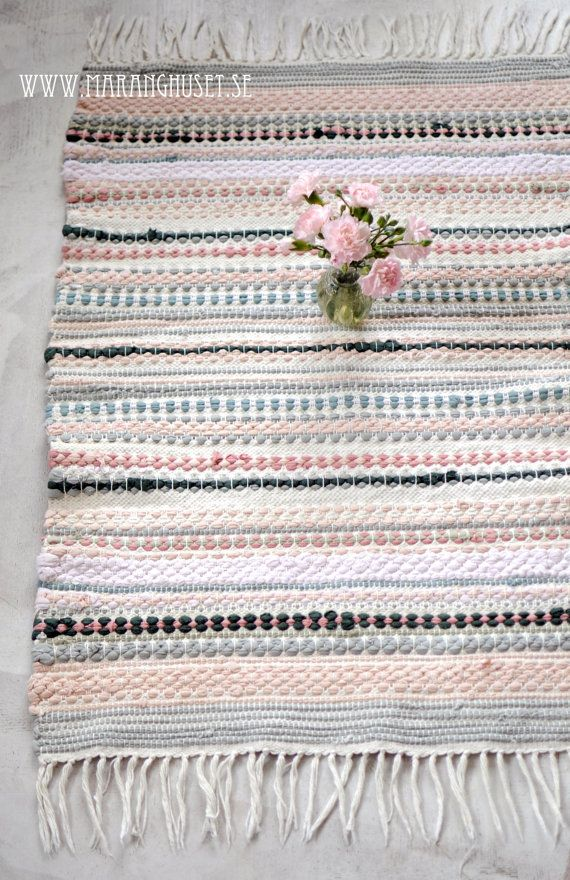 Divine Helena - A masterpiece Vintage Rag Rug - Hand Woven rug in soft pink colors with mint green