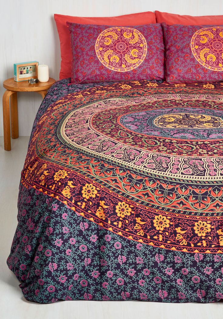 bohemian bliss duvet cover set in magenta full queen suite dreams are made of this the cozy. Black Bedroom Furniture Sets. Home Design Ideas