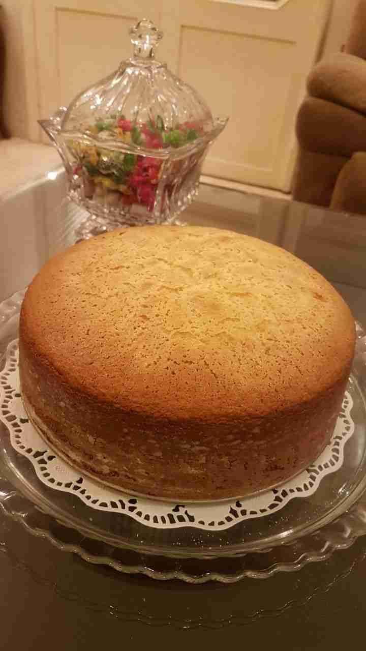 الكيكه العاديه كيك عادي كيكات الكيكه العاديه لو حابة تعرف طريقة الكيكه العاديه بحيث تجربيها وتكون الطريقة مضمونة مية بالمية يعني ل Cake Desserts Desserts Food