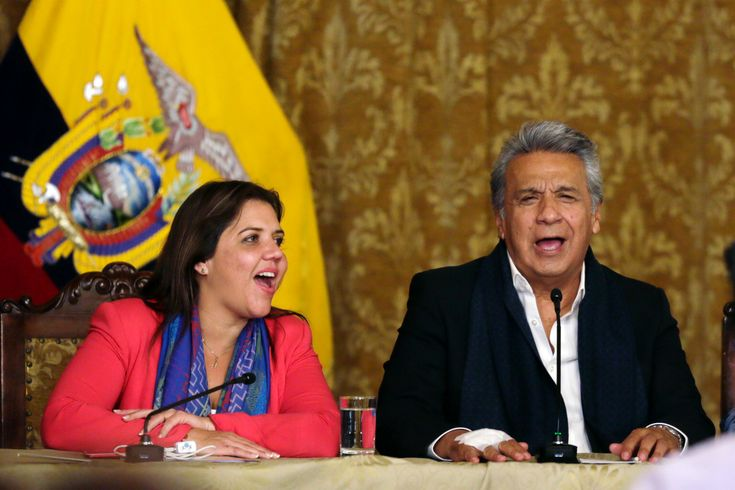Fox News - Ecuadoreans voted by a landslide to limit presidents to two terms in a nationwide referendum that delivered a blow to former President Rafael Correa's hopes of returning to power.