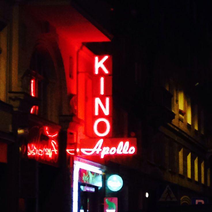Kino Apollo neon
