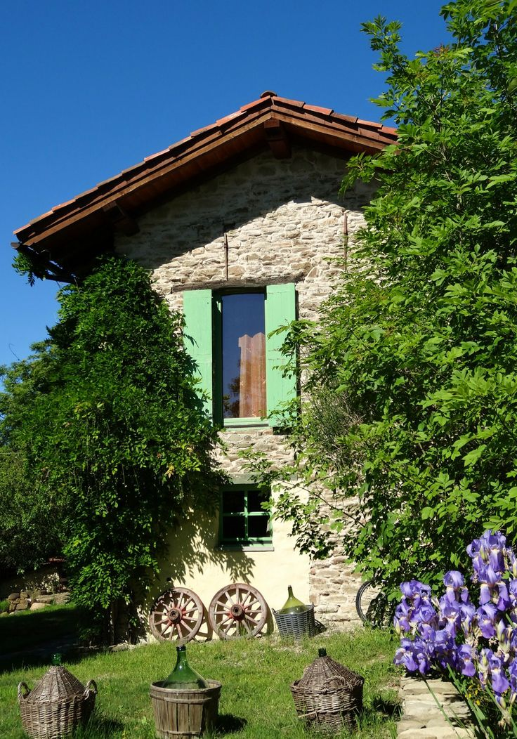 Agriturismo Verdita, our little piece of heaven in Italy ......... Holiday apartments with jacuzzi in the garden - on the border Piemonte / Liguria (Italy) - www.verdita.com