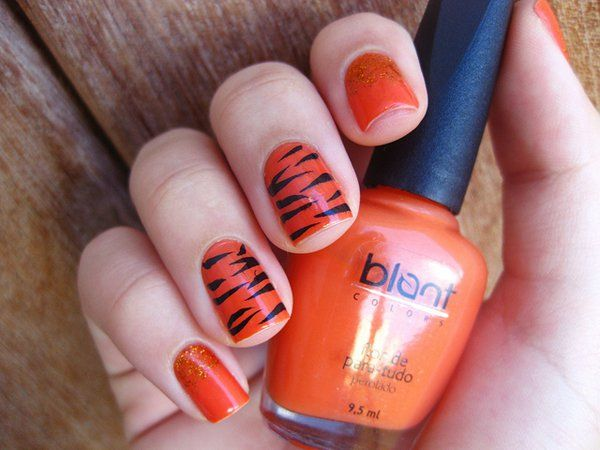 Tigre - 40 Examples of Elegant Nail Art  <3 <3