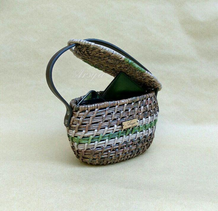 Tas tangan, hand bag, newspaper work, ethnic bag, anyaman kertas
