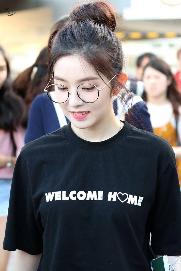 Lý do khiến ai cũng bật ngửa đằng sau sở thích diện kính mọt sách hot trend của Irene (Red Velvet) - Ảnh 2.