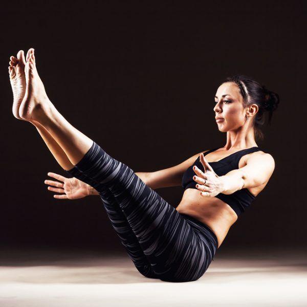Στάση βάρκα: Η asana της γιόγκα που φτιάχνει τέλειο σώμα, δυνατό κορμό και πόδια