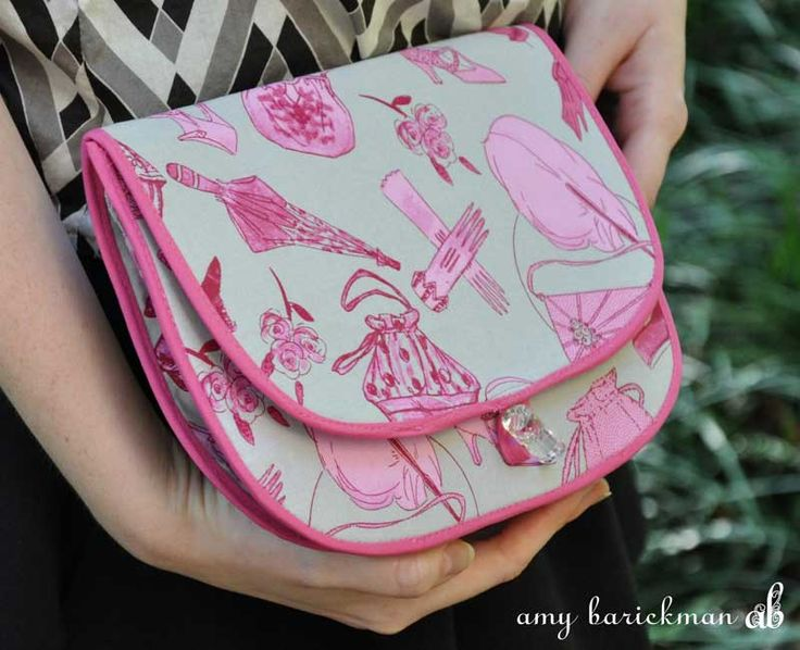Summer Purse Pattern + Indygo Junction Vintage Made Modern Tour + GIVEAWAY | Sew Mama Sew | Outstanding sewing, quilting, and needlework tutorials since 2005.