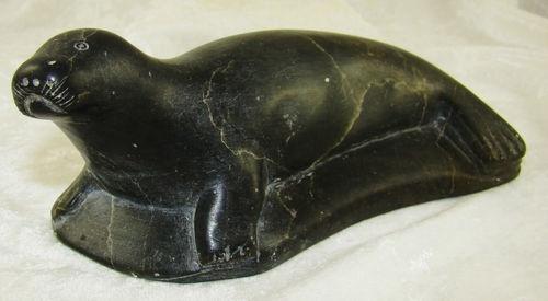Vintage abraham nastapoka inuit seal soapstone sculpture