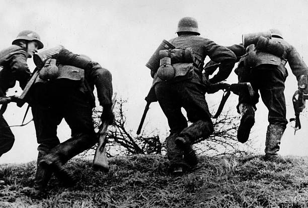 1940, German soldiers going on the attack on the western front in France, Germany's victory in France in 1940 followed the 'Phoney War, (September 1939-April 1940) and the German breakthrough accomplished at great speed meant France was forced to surrender in June 1940 - pin by Paolo Marzioli
