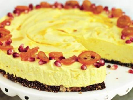Saffranscheesecake på chokladbotten