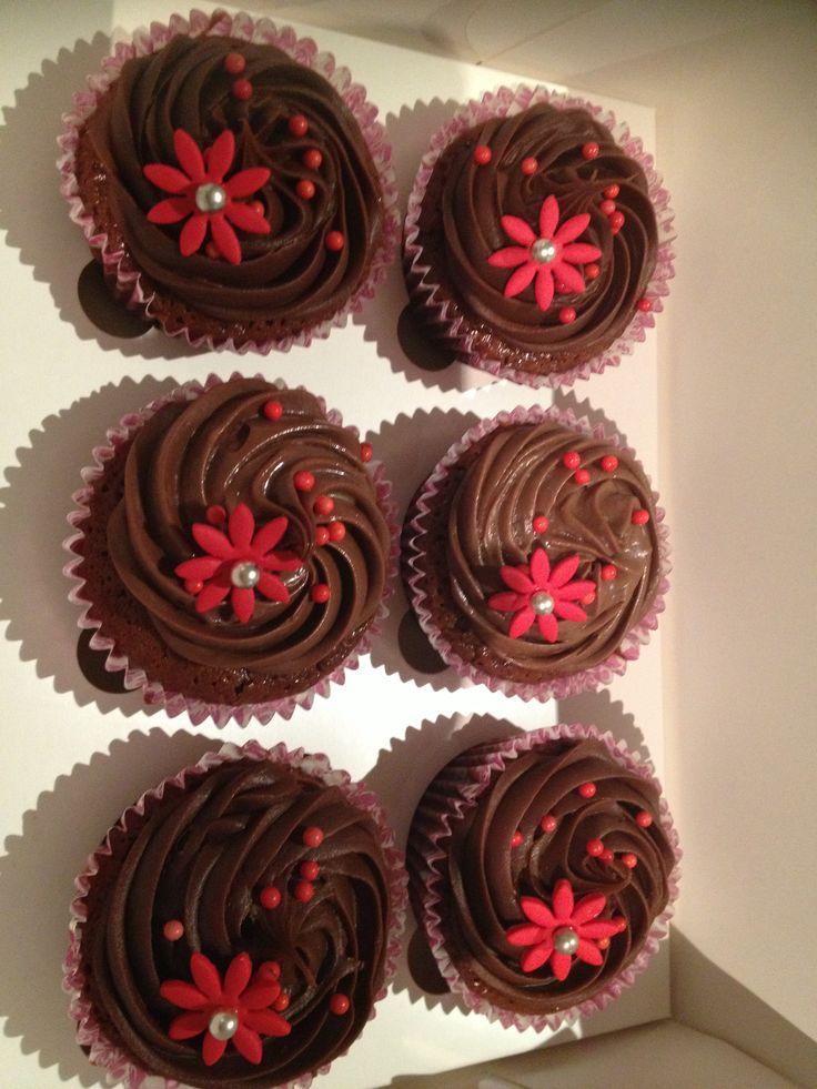 Cherry ripe cupcakes! Yum!
