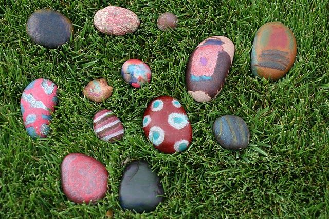 decorated the flower beds: Hot Rocks, Summer Crafts, Crafts Ideas, Paintings Rocks, Kids Stuff, Croquet Ball, Kids Crafts, Rocks Crafts, Craft Ideas