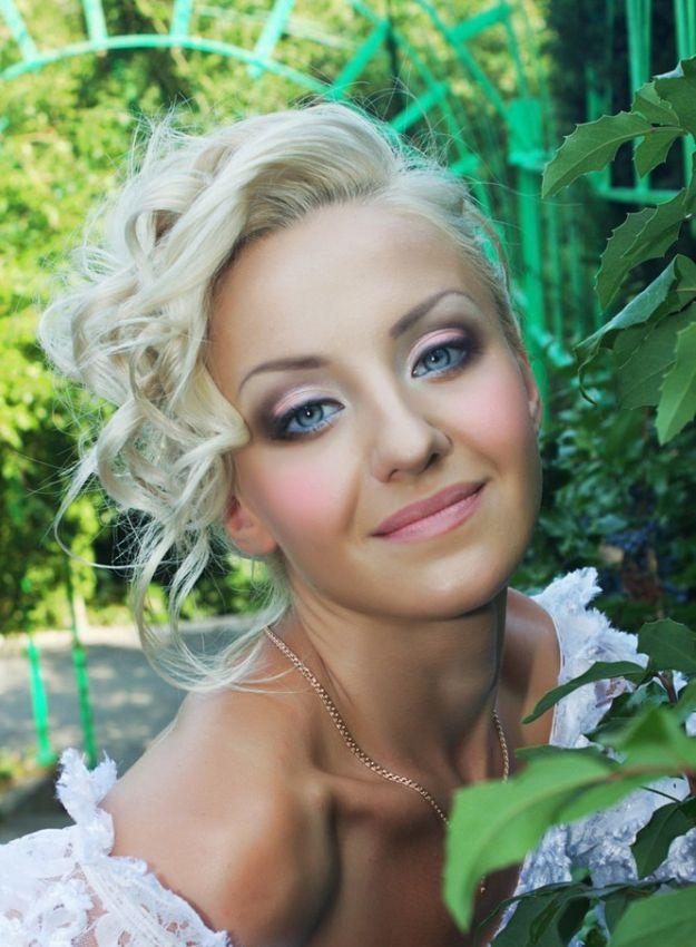 Очаровательный свадебный макияж для голубых глаз ::: onelady.ru ::: #makeup #eyes #eyemakeup