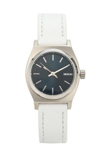 Часы с минималистичным дизайном от спортивного бренда Nixon. Японский кварцевый механизм, кожаный...