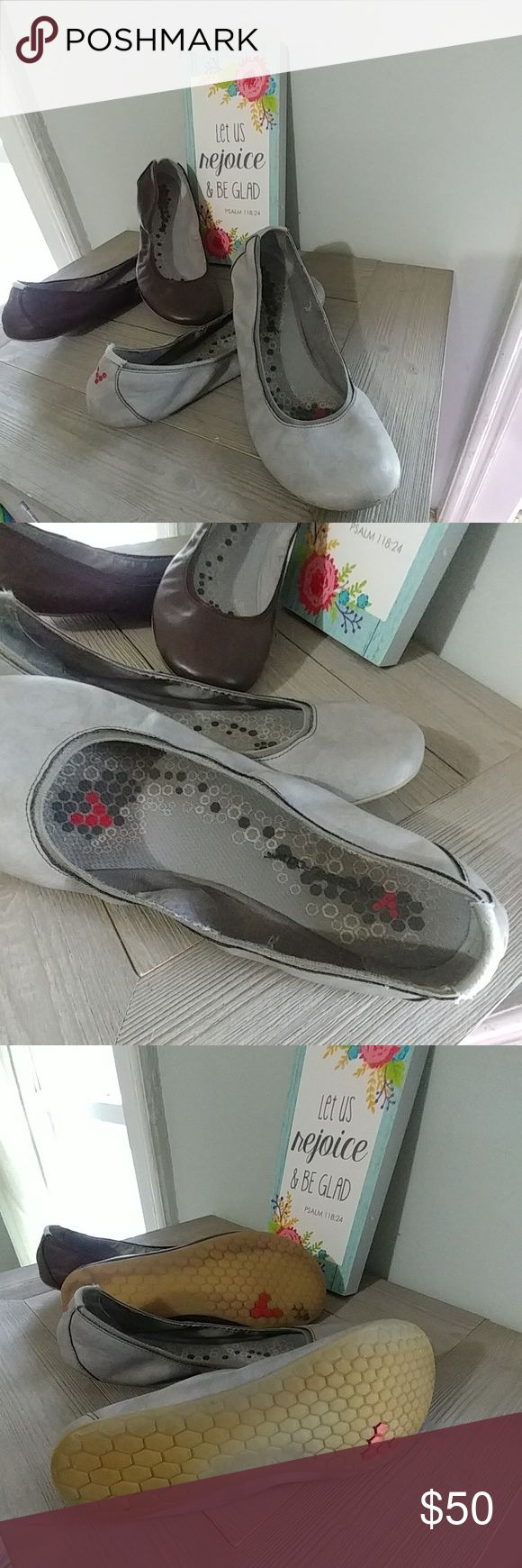 Bundle 2 Pairs Vivobarefoot Ballet Flats-7.5 Good, moderately worn condition. Grey pair has some darkening on insoles from wear. Brown pair has something odorless stuck on sole -see photos Size 7.5L Bundle of 2 pairs Vivo barefoot Shoes Flats & Loafers