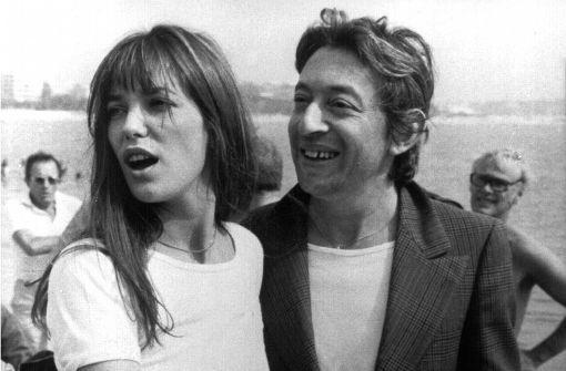 Jane Birkin wird 70. Momentaufnahme aus guten Tagen: Die französische Sängerin und Schauspielerin Jane Birkin mit Serge Gainsbourg im Jahr 1974 Foto: dpa
