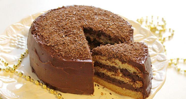 A gyerekeim abszolút kedvence a csokitorta, szinte minden alaklomra ezt rendelik. Ez a csokitorta észrevehetetlenül gluténmentes. A piskótája mennyei finom, puha, nem morzsolódik, a töltelék pedig brutálisan csokis. Ezzel gluténmentes csokitorta recepttel csak sikered lehet.      Hozzávalók egy kisméretű gluténmentes csokitorta készítéséhez: 4 db M-es tojás  80 g Hadarik Rita gluténmentes piskóta
