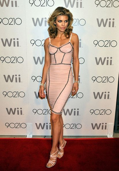 "AnnaLynne McCord || ""90210"" Season Wrap Party 
