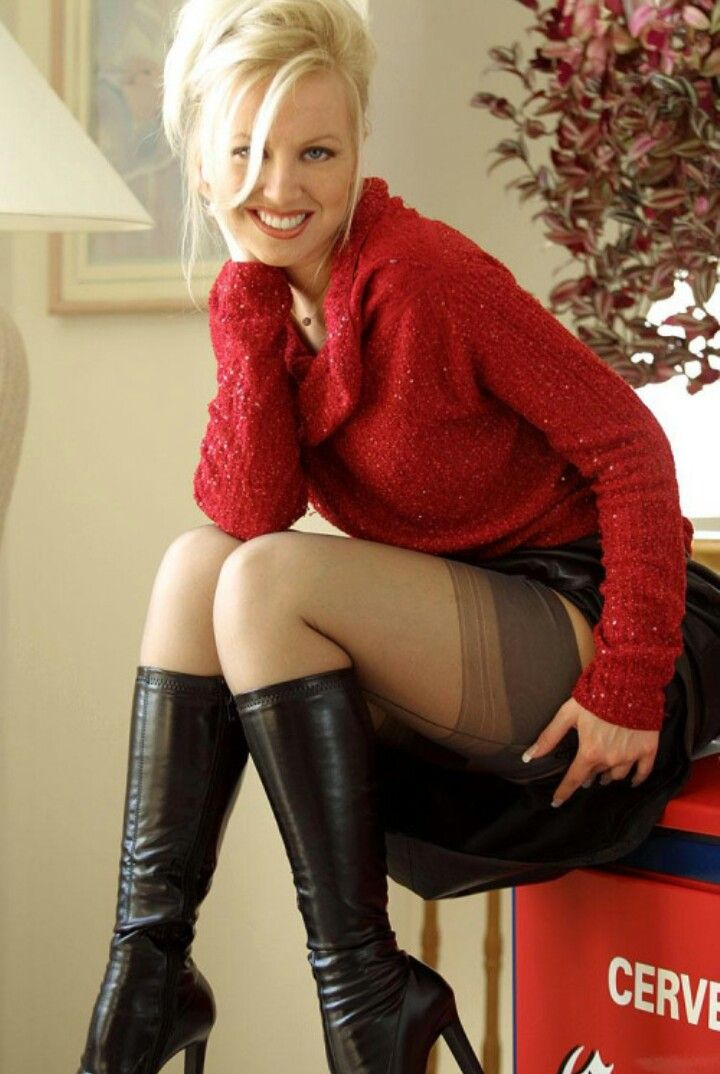 Is Hot Pantyhose Momma 56