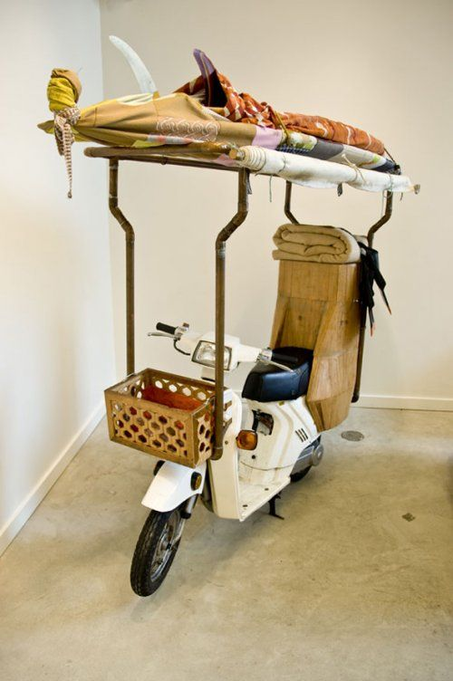 a surfer bum's dream home :) no, this is not what matt's new moped looks like. lol.