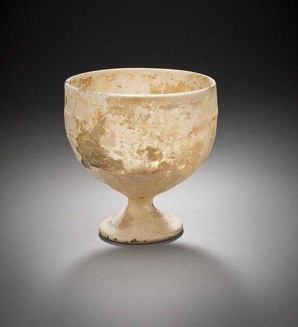 Gobelet, Iran, période sasanide, circa 224-651, verre translucide jaune pâle.