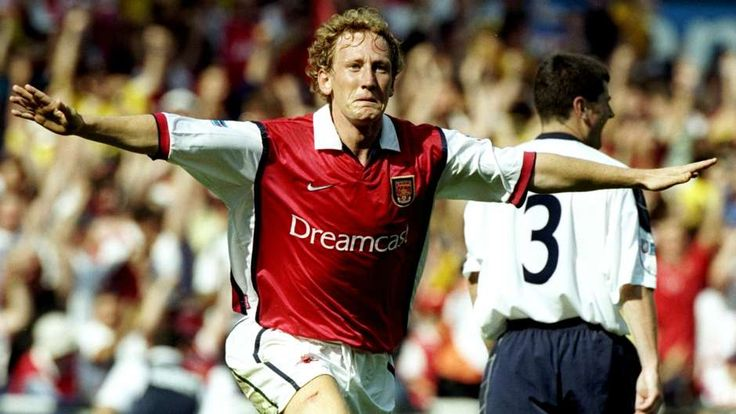 19. RAY PARLOUR | 1992-2004 | The 'Romford Pele' became a cult hero in north London - but he could play a bit too. Won nine trophies in 14 years playing for Arsenal, the highlight of which was a stunning 30-yard strike in the 2002 FA Cup final win against Chelsea. - Goal.com