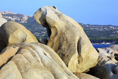 Amazing natural rock formations  Mother Nature has created many unforgettable masterpieces. All it takes to enjoy these natural works of art is time and a dash of imagination.  Lets spend some time together looking at natural rock formations sculptured into pieces of art by Mother Nature herself:
