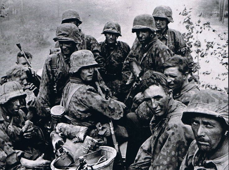 Soldiers of the 3rd SS Panzer Division during the Battle of Kursk, 1943.