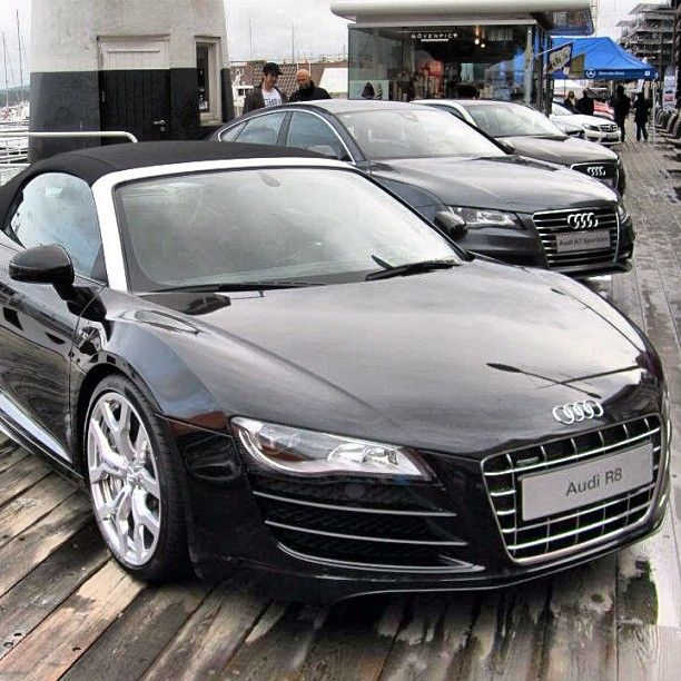 Audi R8 amazing car! But i don't like soft tops! which do you prefer?