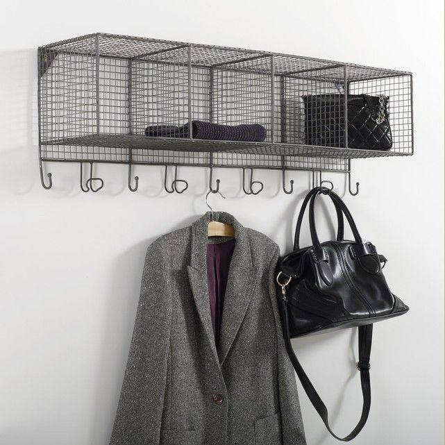 Aréglo wire storage unit. This pretty, practical shelving unit is equally at home in a hall, bedroom and even the bathroom. Description of Aréglo storage unit:1 wire shelf.4 storage compartments.5 metal hooks.4 pegs.Features of Aréglo storage unit:Made from metal wire.Supplied with wall mounting kit.See the whole storage collection online at laredoute.co.uk.Size of Aréglo storage unit:Usable dimensions of each storage box:L24 x H21 x D22 cmOverall dimensions: Length: 100 cmHeight: 28.5…