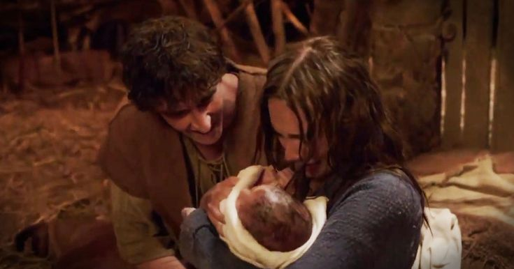 This 'Christmas Hallelujah' Reminds Us The REAL Reason For The Season - Music Video