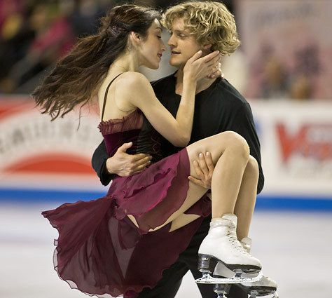 Meryl Davis & Charlie White performing their free dance at the skate america 2012    So romantic :)