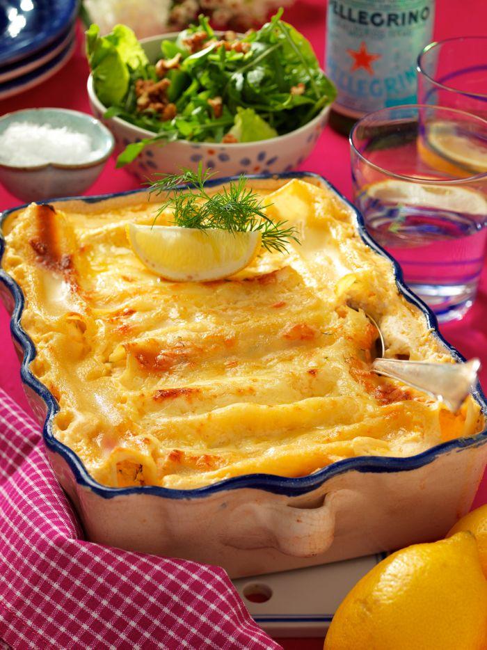 Bjud på en lyxig pastagratäng. Receptet passar både till vardags och fest. Servera med en grönsallad med tunt strimlad fänkål och valnötter.