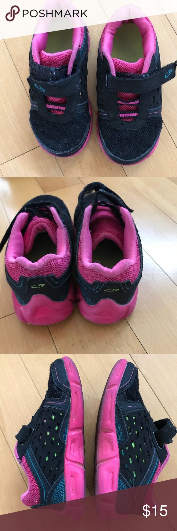 Girls sneakers toddler size 8 Girls Sneakers toddler size 8 Shoes Sneakers