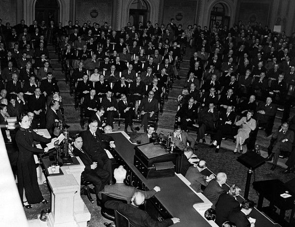Madame Chiang Kai-Shek addresses the U.S. Chamber of Commerce in a plea for more aid for China, Washington, D.C., February 18, 1943.